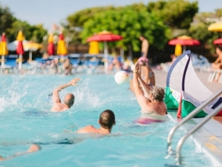 Una piscina pensata per il divertimento