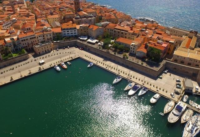 Panoramica del porto di Alghero
