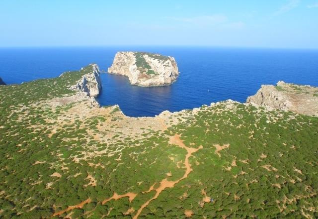 Vista sull'isola di Foradada