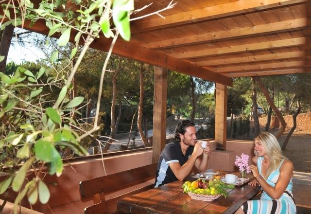 Relajación y confort en el Camping Torre del Porticciolo