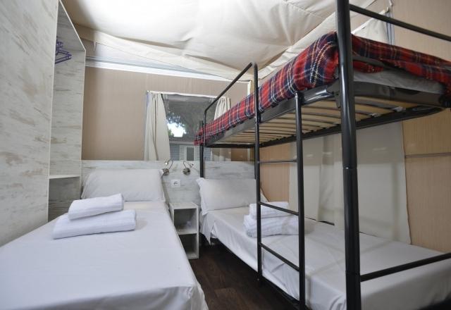 kamer met eenpersoonsbedden